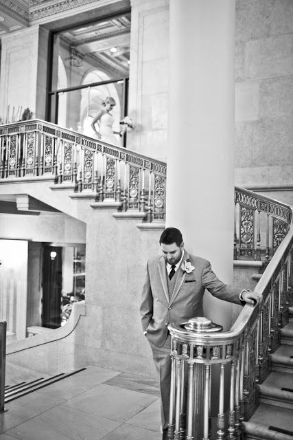 Couple prepares for the first glance | www.newvintagemedia.ca