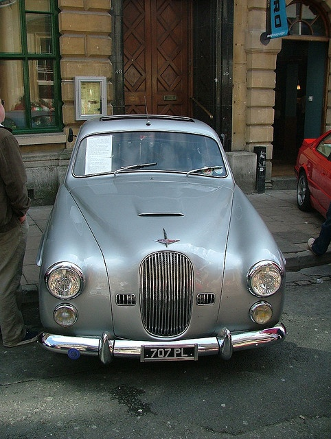 Coachbuilt : Farina-bodied Jowett Javelin    Bristol, April '06 - British classic in a neat Italian coachbuilt body.