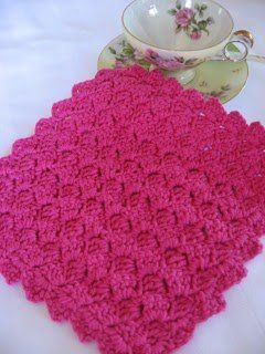 This truly is a gorgeous crochet dishcloth pattern. The tulip stitch cloth can be given as a wedding gift or a baby shower gift since many bottles will need to be cleaned. This is a fairly easy crochet pattern to make.