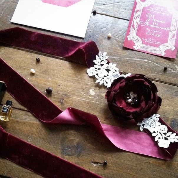 Wedding invitation in marsala colour from Pretty Paper Shop. Designed by Kateryna Savchenko - AkvarellDesign