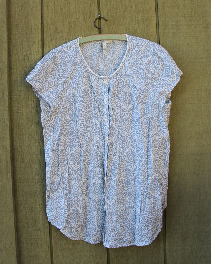 Basic Button-up Patterned Top