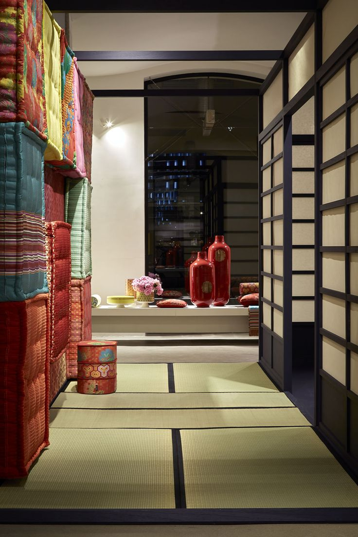 111 best the iconic mah jong sofa images on pinterest for Canape roche bobois kenzo