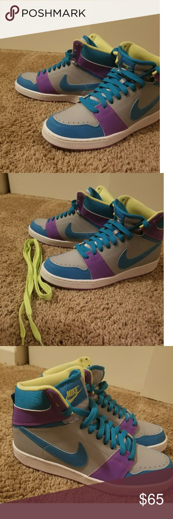 💥JUST IN💥 Nike Shoes Size 9 Very comfortable  Like New- Worn 2 or 3 times Grey, Blue, Purple, Neon Green Comes with extra pair of Neon shoe laces Nike Shoes Sneakers