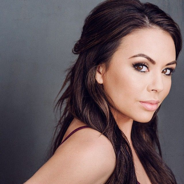 Janel's makeup is gorgeous! | Pretty Little Liars
