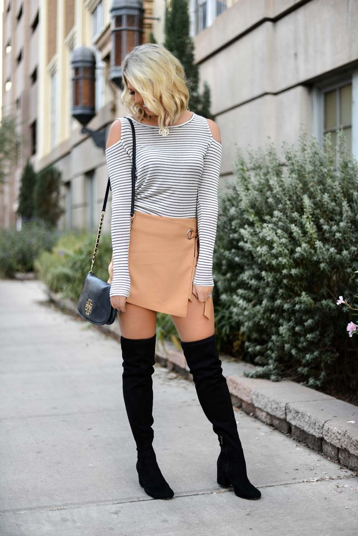 Erin Elizabeth of Wink and a Twirl Fall Style #HolidayStyle #FallStyle