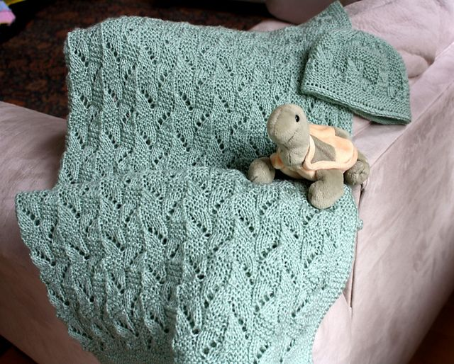 Ravelry: Amy Baby Blanket and Hat pattern by Natalia Blank
