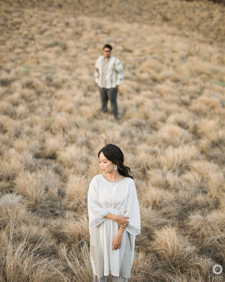 I want everyone to meet you. You're my favorite person of all time. . . Courtesy from Dini & Irfan Pre Wedding @dininurdianimua @irfanfebbona Location Gili Lawa, Flores Nusa Tenggara Timur, Indonesia . . Photograph by @alvinfauzie Make up by @dininurdianimua Hair do by @dinizakiyatimakeup Check our website for the other photos at www.alvinphotography.co.id