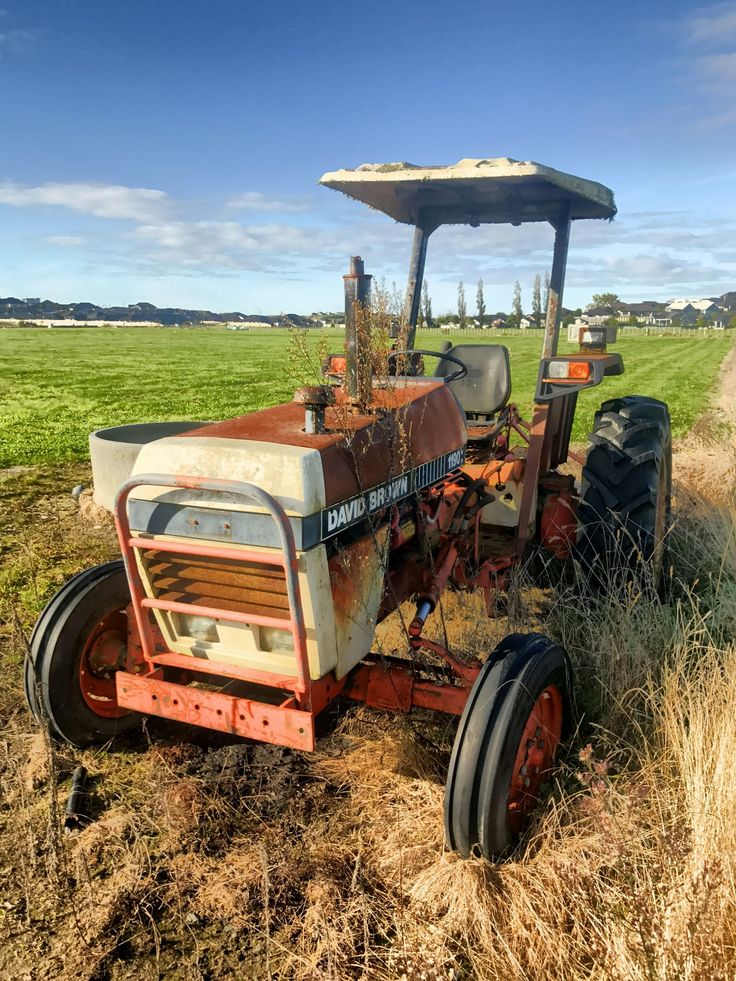 David Brown Tractor  This is a photo I took this morning while I was out walking the dog.  A very old tractor that looks like it hasn't been driven for a while  #stusroadtrips #photo #country #farm #tractor #old #rust #countrylife #rustic #rusty #davidbrown #farminglife #farming #tractors #oldtractor #oldtractors #johndeere #farmers #farmingphotos #tractorlife #farms #farmlife