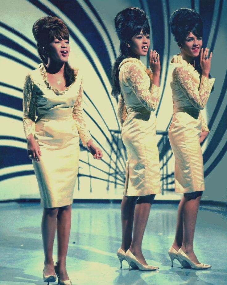"The Ronettes on ""Thank Your Lucky Stars"" Aired: Jan.1964"