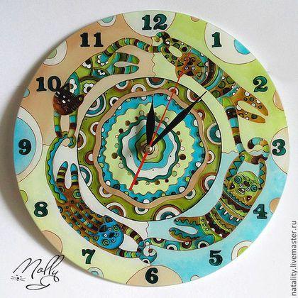 """Часы для дома ручной работы. Ярмарка Мастеров - ручная работа Часы """"Хвост за хвост"""" другие цвета. Handmade."""