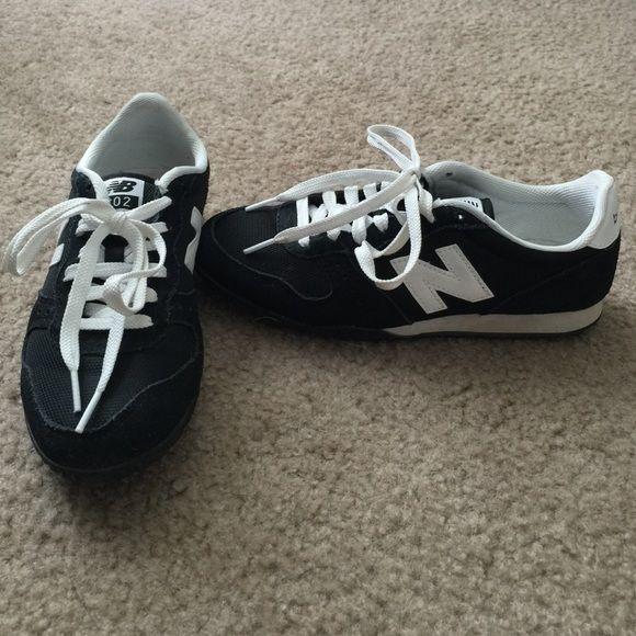 New Balance 402 Black Size 7.5 New balance 402. Size 7.5. Black. New Balance Shoes Athletic Shoes
