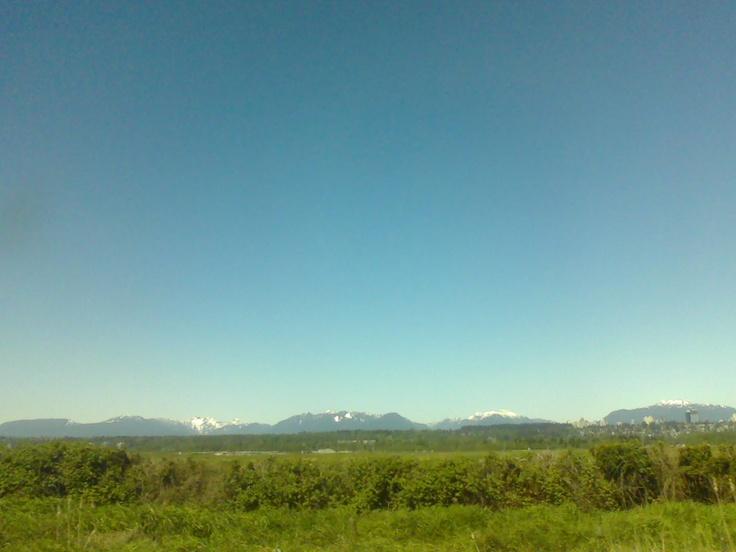 mountains near the alex fraiser bridge