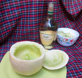 COCINA CHILENA: MELON CON VINO- My mom used to make this every summer!