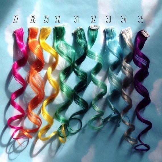RENKLİ SAÇ BİZİ. İŞİMİZ  Son zamanların saçlarda #moda ve #trend haline gelmiş olan #renklisaç ve #renkliçıtçıt #saçkaynak ile saçlarınıza kolaylıkla takıp çıkarabileceğiniz #saçtüyü ile birliktede kullanabileceğiniz bir birinden #renkli #rainbow #gökkuşağı renklerinde ayrıca isteğe göre #mor #lila #pembesaç #çıtçıtsaç #mavi burada sayamayacağım kadar çok özel rengi doğal insan saçına AKMAZ BOYA ile uyguluyoruz.  Bize ulaşmak için 444 3 671 ya da Whatsaap 0532 592 88 42 numaradan…