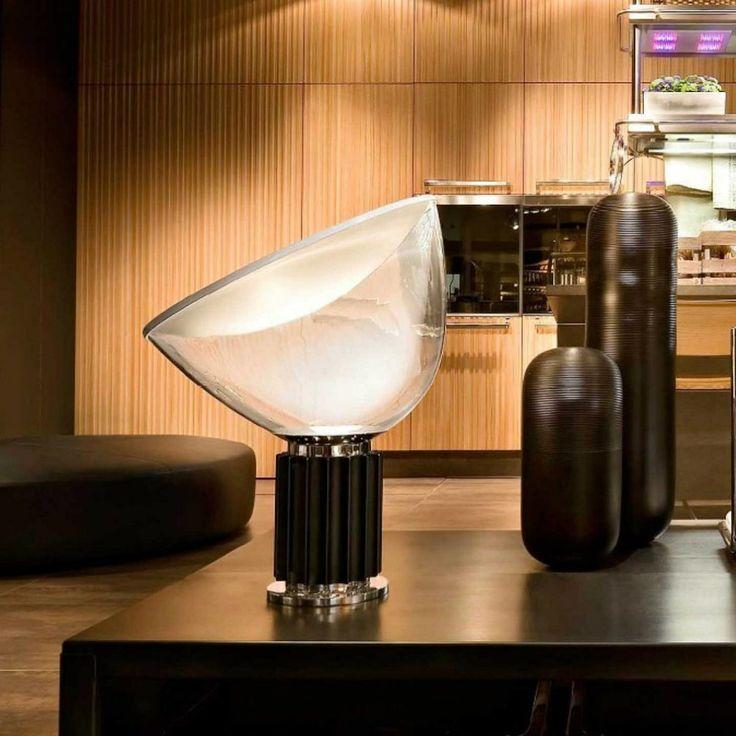 Flos Taccia viene proposta con diffusore in PMMA che va a sostituire il modello con diffusore in vetro.