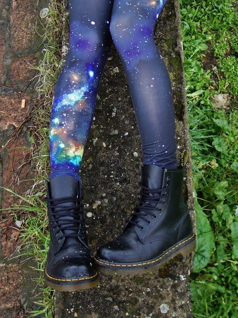 galaxy leggings and dr martens, you can't go wrong black boots #boots
