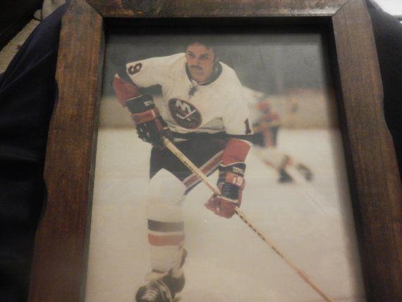 Vintage New York Islanders 1980s Mike Bossy 22 by BarterZones