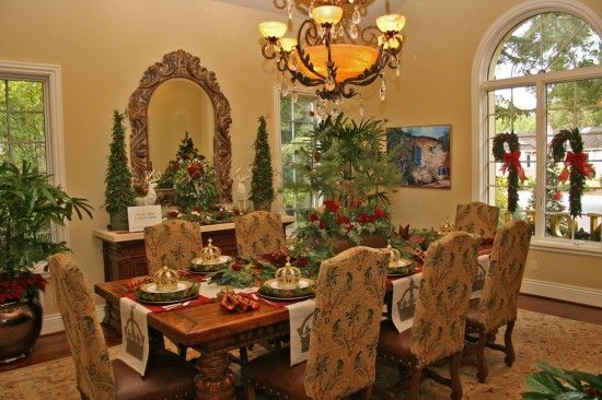 17 Best Ideas About Christmas Dining Rooms On Pinterest: Saratoga: Contemporary Tuscan Home In High Holiday Decor