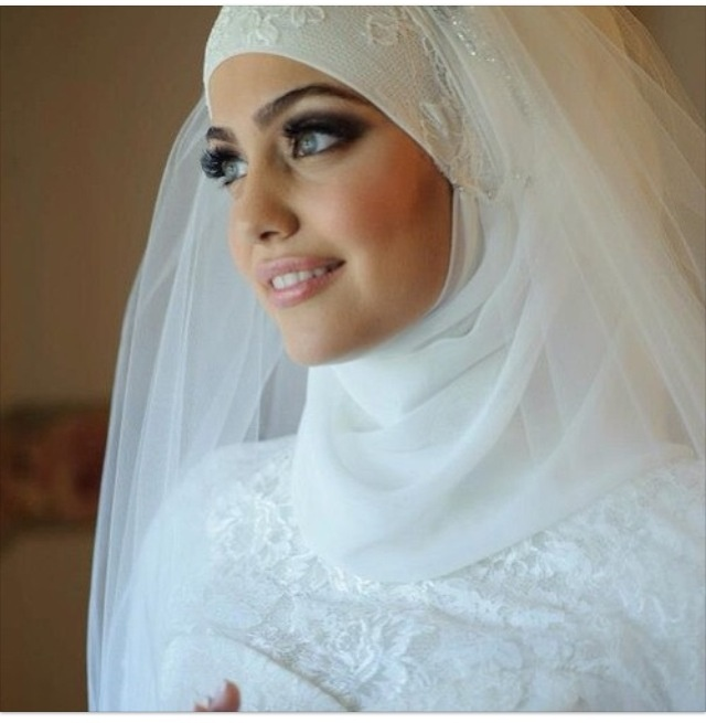 Muslim Wedding Makeup : hijabi bride Wedding Pinterest Beautiful, Wedding ...