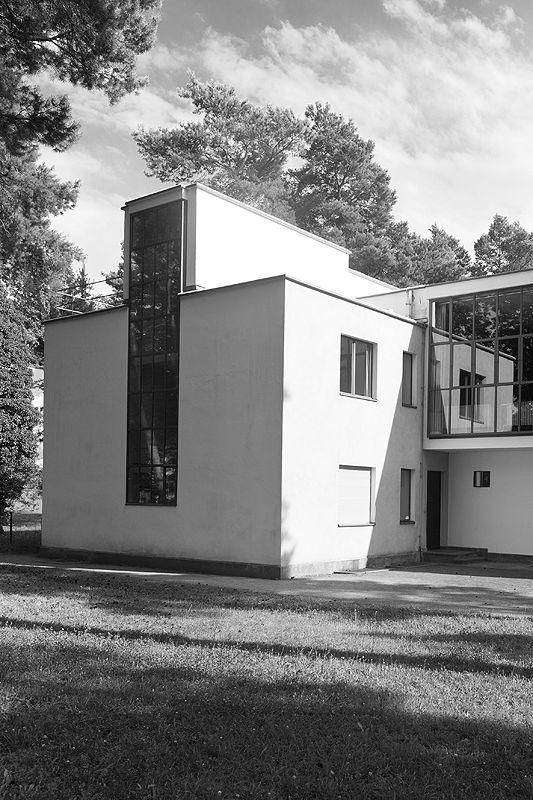 82 besten bauhaus dessau bilder auf pinterest walter gropius bauhaus interior und arquitetura. Black Bedroom Furniture Sets. Home Design Ideas