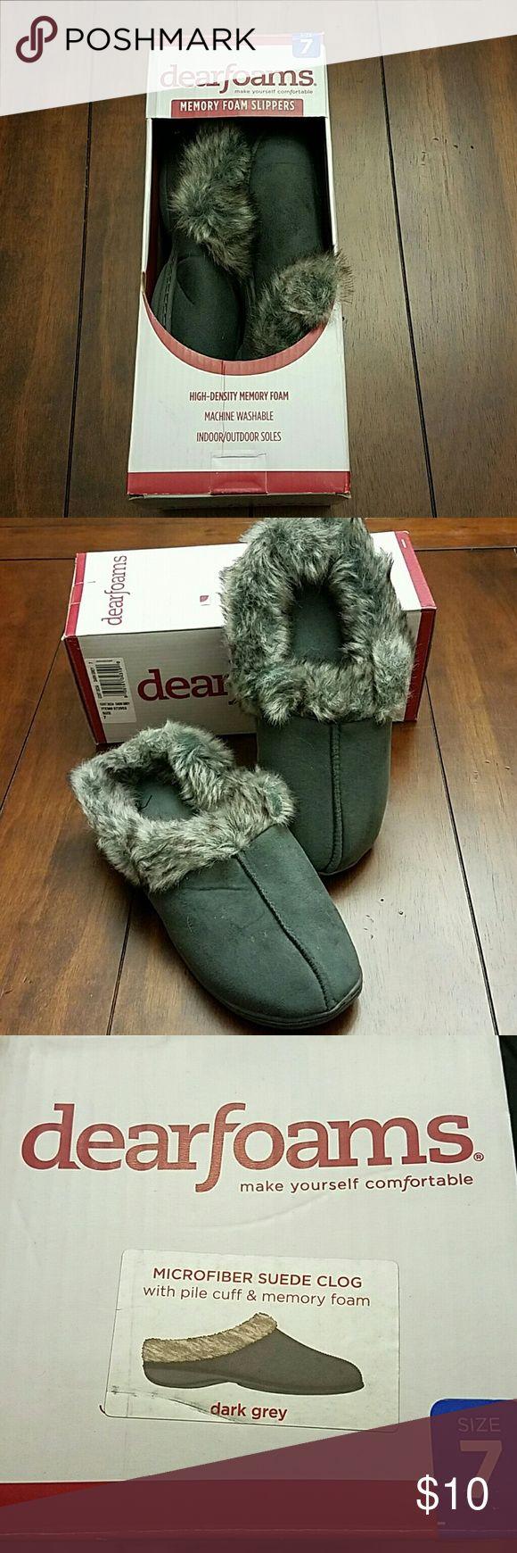 NWT Dearfoams slippers Memory foam, faux fur cuff, dearfoam slippers in dark gray. Never worn or tried on! dearfoams  Shoes Slippers