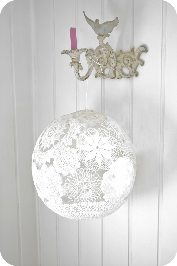 Doily ball / light / decoration use same thing with basket light but with doily