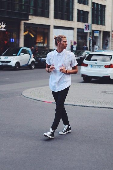 Converse Sneakers, H&M Pants, H&M Shirt, Baggy