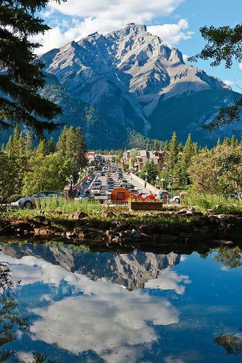 Banff Av, Alberta, Canada