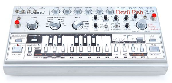TB-303 | Roland