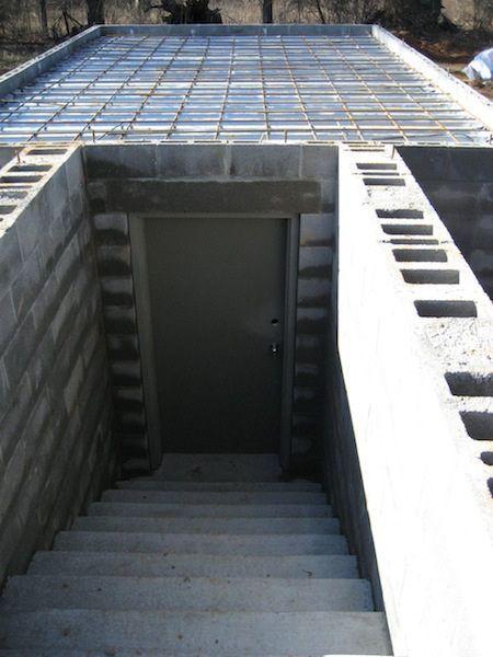 Погреб под гаражом со смотровой ямой