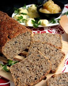 domowy chleb , chleb żytni , bochenek chleba , czarnuszka