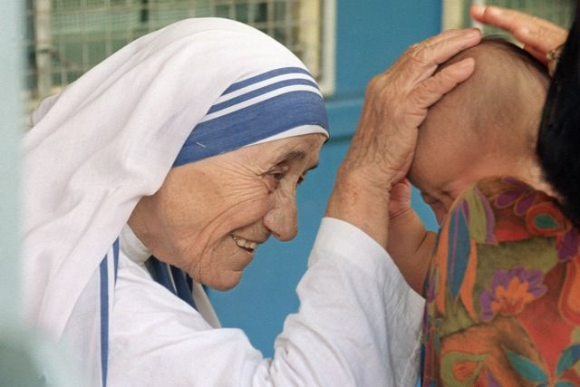 """Teréz anya : """"Menjünk haza és szeressük a családunkat."""""""