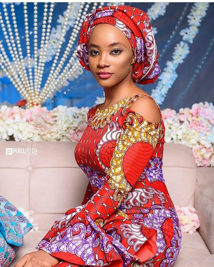 A keen observer of the fashion industry will agree with me that the Nigerian fashion industry is becoming increasingly active. That's why we saw some awesome and funny Nigerian