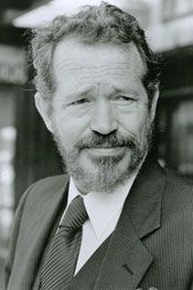 Actor, Cpl Warren Oates US Marine Corps (Served 1946-1950) Short Bio: Warren Oates was an American character actor of the 1960s and 1970s and early 1980s whose distinctive style and intensity brought him to offbeat leading roles. Oates was born in a very small Kentucky town and attended high school in Louisville, continuing on to the University of Louisville and military service with the U.S. Marines.