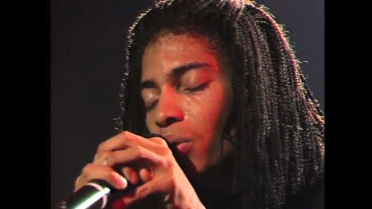 "Terence Trent D'Arby - ""Who's Loving You"" Live 1987 ... CURLED MY TOES!!!!"