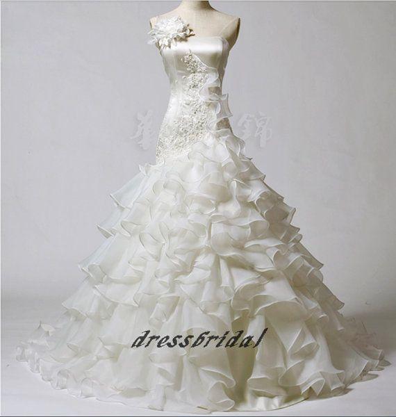 Linea personalizzata a mano a buon mercato Vintage bianco/avorio A livelli bordare applique fiore Organza spazzola treno abito abito da sposa abiti di nozze