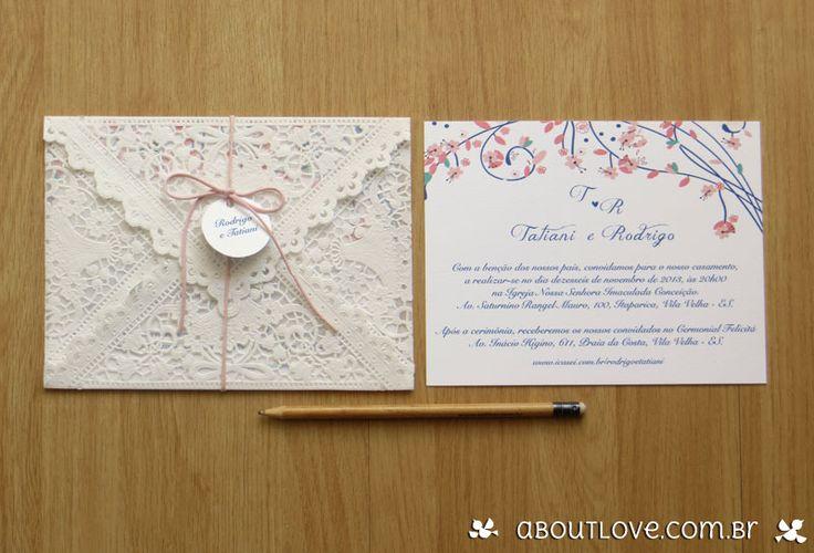 Convite de casamento com renda e arte floral - AboutLove