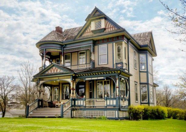 Queen Anne Victorian was built in 1897 in Osceola, Iowa,