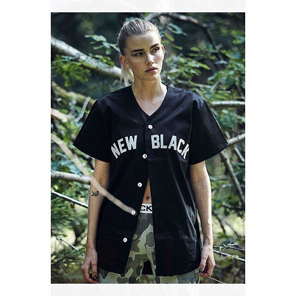 Founded by the two friends in 2011 New Black has become one of streetwears most exciting brands. What started with a small line of five t-shirts is now a full-scale fashion brand the collections getting bigger every year and new sales markets added in a fast pace. @newblacksweden  Swedish Quality Fashion