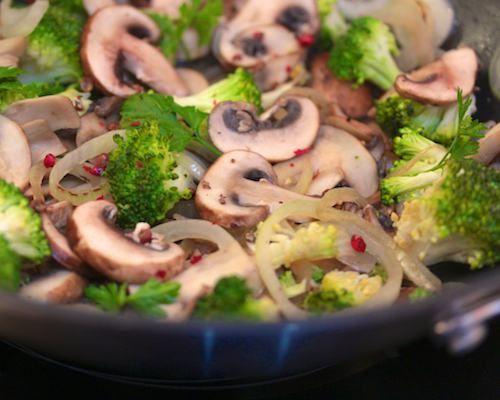 poêlée champignons brocolis