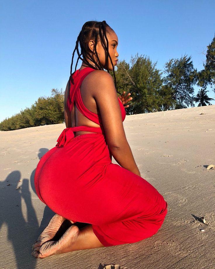 Ebony Mature HUGE Azz!! - Tumbex