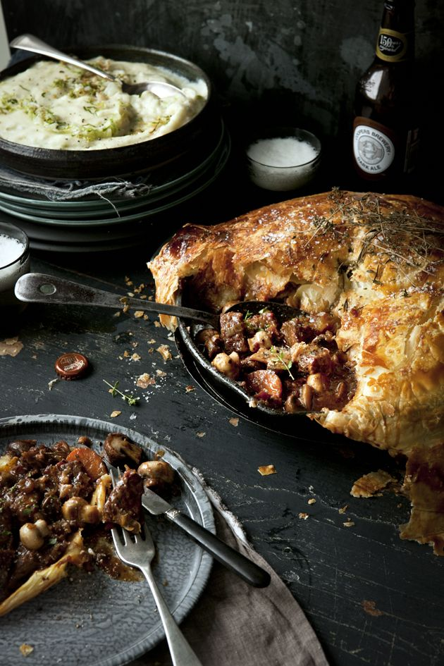 BEEF, BACON AND MUSHROOM PIE WITH DARK AUSSIE ALE