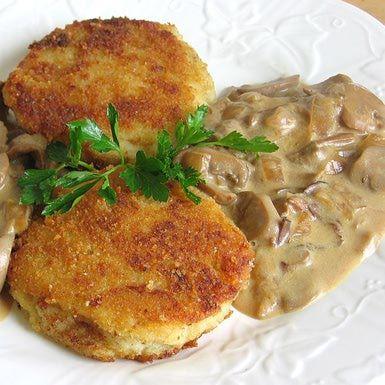Potato Cutlets Recipe - Polish Kotlety Ziemniaczane na Sos Pieczarkowy: Polish Potato Cutlets with Mushroom Sauce