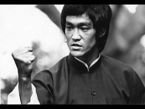 [Video] How Bruce Lee performed his One Inch Punch - [Slow Motion Breakdown]  Article: http://www.modernmartialartist.com/technique-breakdown/bruce-lee-one-inch-punch/