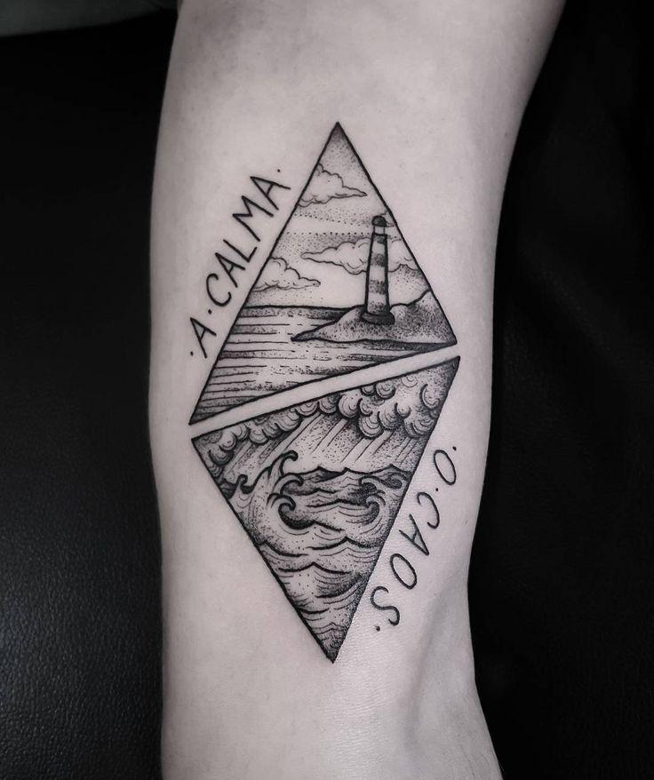 Tatuagem representando a calma e o caos para o gente boníssima Eduardo, obrigado!! #tattoo #tatuagem #tattoo2me #blacktattooart #btattooing #blackworkerssubmission #darkartists #lovettt #undergroundtattooers #taot #inkstinctsubmission #inspiredtattoos #sea #lighthouse #rj