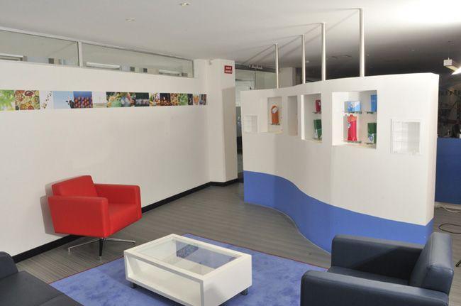 Oficinas del centro técnico de Tetra Pack. (2011) #color #espacio #arquitectura  Foto con licencia Creative Commons