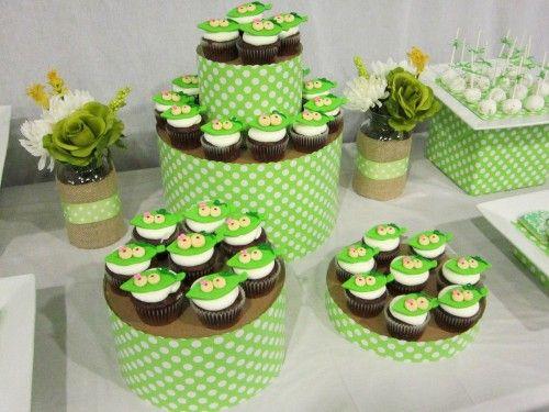 {DIY Tutorials} Hat Box Cupcake Tower - A Blissful Nest