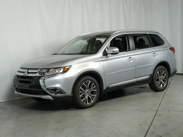 New 2016 Mitsubishi Outlander For Sale in Brooklyn Center MN at Luther Brookdale Mitsubishi dealership near Minneapolis. Silver Mitsubishi SUV for sale Minnesota. V6 SUV for sale Minnesota. 6 speed automatic all-wheel drive. 4WD.