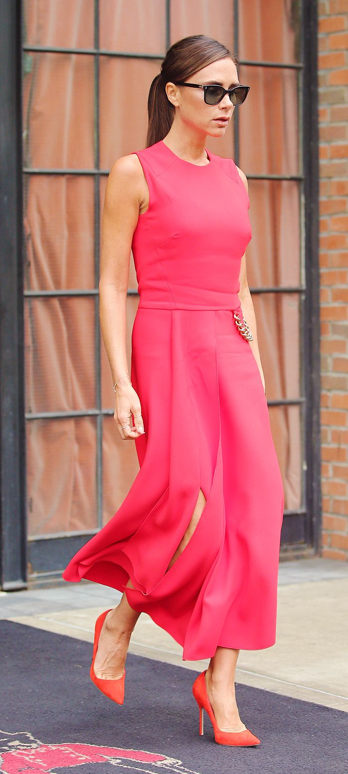 Victoria Beckham looks perfectly polished in head-to-toe red. // #Celebrity