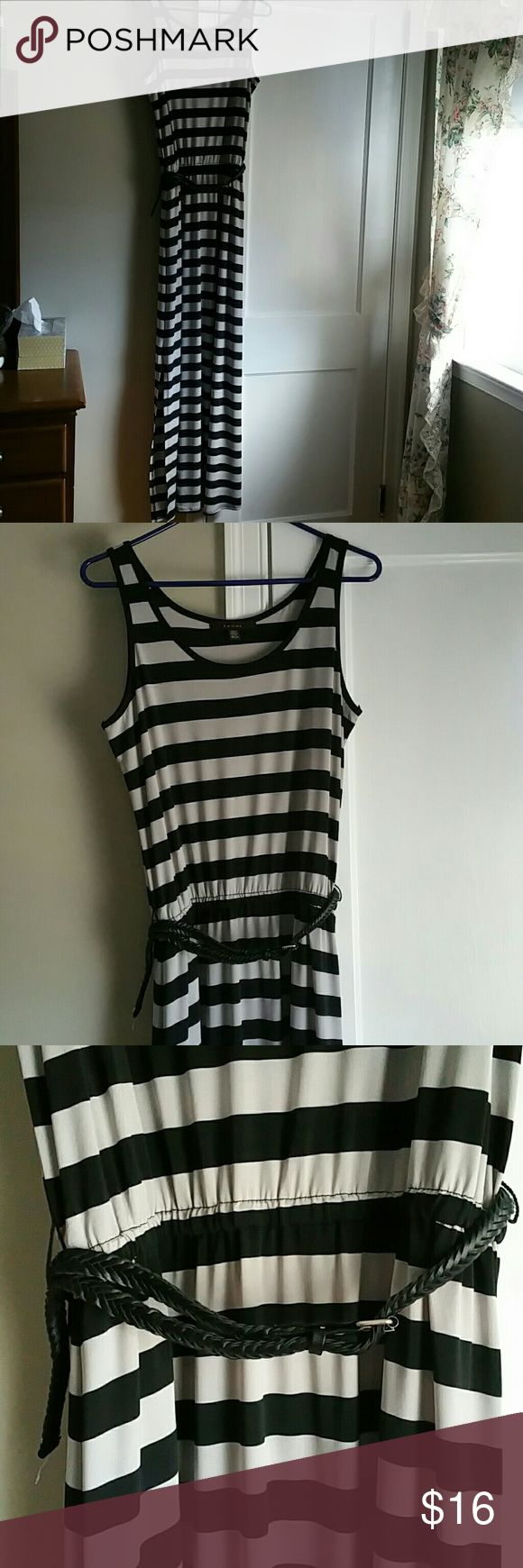 NWOT Maxi Dress Stripes black and grey with braided belt. Size says small but will fit medium as well. I love this dress but it's too big for me. Just tried it on and it's too big for me. Fever Dresses Maxi